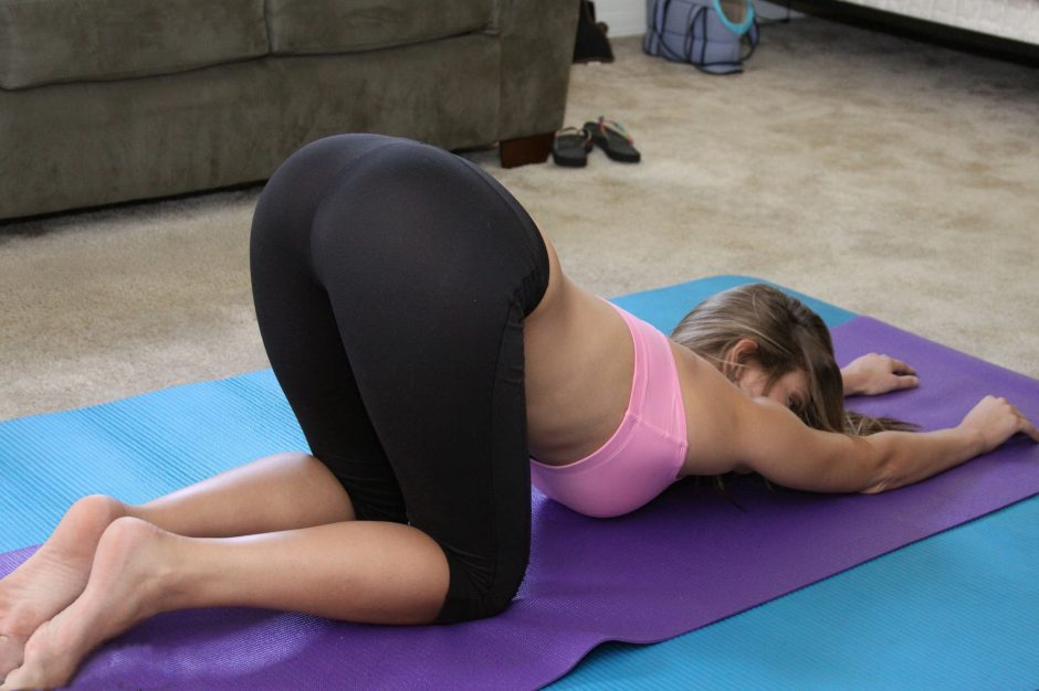 Slough Escorts in yoga pants